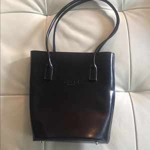 Gucci patent leather bucket satchel